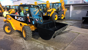 JCB LOUDALL 520/40  with low working hours